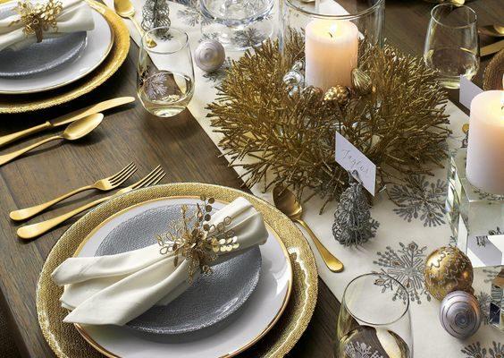 Красивый декор новогоднего и рождественского стола.
